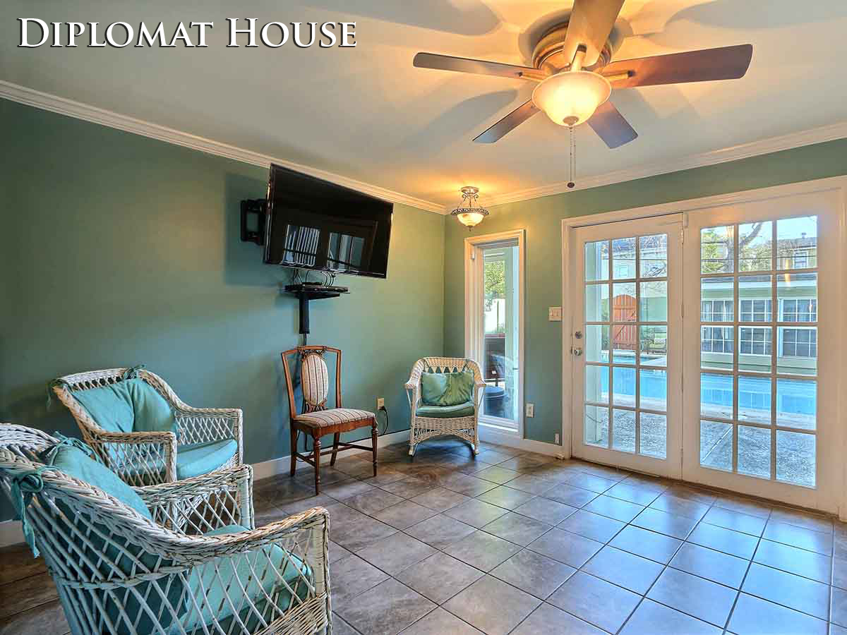 cottages savannah beach beautiful rentals entrance condo to ga rental vacation cottage banana homeaway bargain